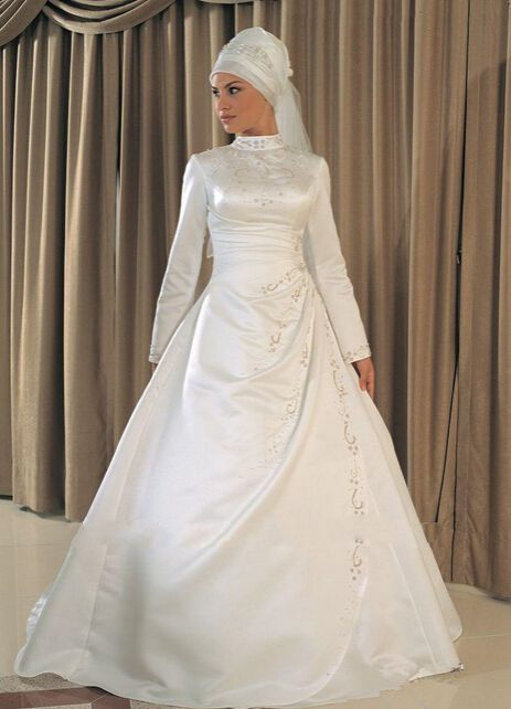 Specials High Quality Satin Made Long Sleeve High Neck Gold Embroidery Muslim Wedding Dress Free Measurement