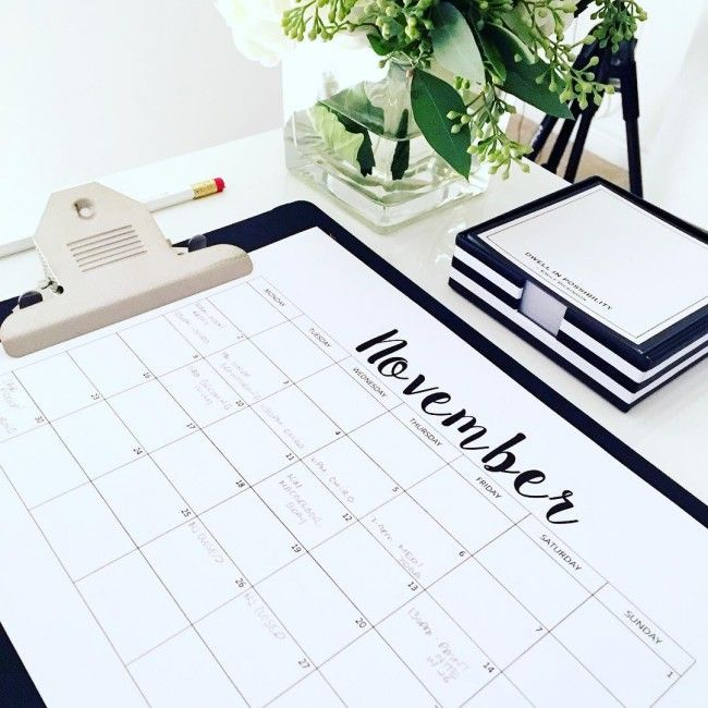 Monthly & weekly printable planner - Here are 20 free printable 2016 calendars that you can print out and customize. Weekly, monthly and yearly calendars, cute calendars, food calendars.. a collection of free printable calendars for you to use.