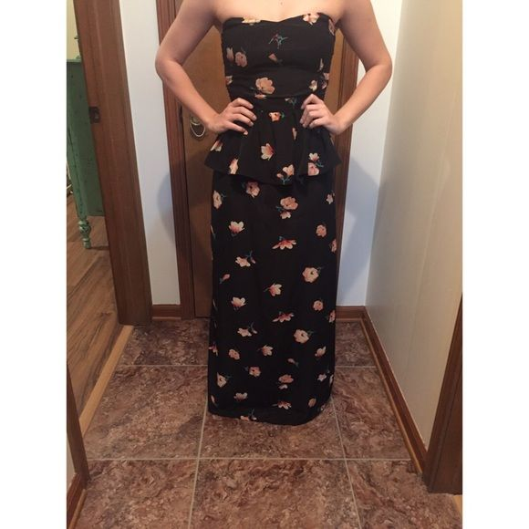 Cheap Black floral peplum prom dress I wore this dress for one night. It has been hemmed to accommodate someone 5'5 or shorter. Fits like a size small. Not Sherri hill just listing to help viewers see gown Dresses Maxi