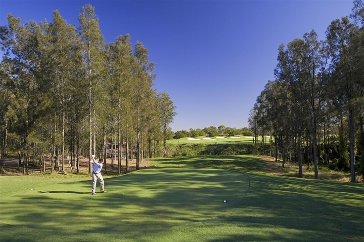 18-hole golf course, Crowne Plaza Hunter Valley.