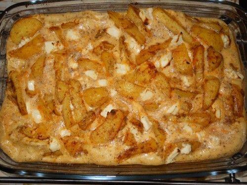 Mozzarellás baconös burgonya a sütőből, mennyei tejfölös szósszal! Remek étel…