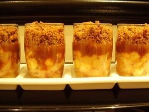 Verrines pommes crumble caramel au beurre salé sans œufs