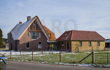 www.jarohoutbouw.nl - 0341-26 26 63 Aannemer in Elspeet | Advies | Ontwerp |Tekeningen | 3d Visualisatie | Complete houtbouw | Gespecialiseerd in houten woning | schuurwoning | Landelijk huis | mantelzorgwoning | vakantiewoning | atelier | tuinkamer | tuinkantoor | winterkamer | gastenverblijf | buitenverblijf | paviljoen | kapschuur | poolhouse | schuur | garage | werkplaats | veranda | terrasoverkapping | paardenstal | buitenstal | inloopstal |  paardenboxen | chalet eikenhout | Douglas