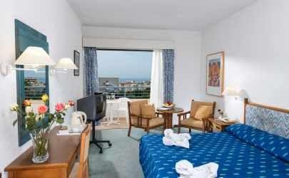 Super Προσφορά!!! 40€ για Διαμονή 2 Ατόμων σε Δίκλινο Δωμάτιο με Πρωινό στο Paphos Gardens Holiday Resort στην Πάφο.