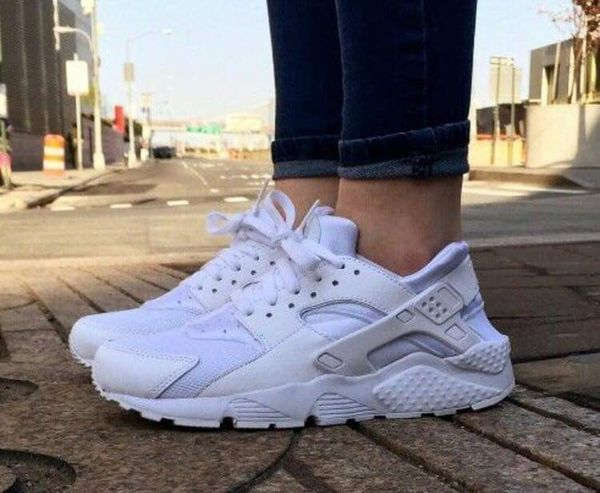 White Nike Huarache size 8 (womens) for Sale in Hemet, CA ...