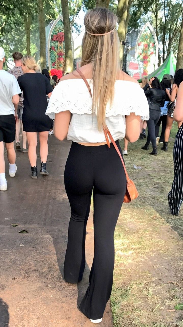 Candid pawg in yoga pants 5