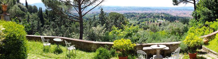 Una boccata d'aria ...il sole... il panorama su Firenze... le note di chi sta facendo lezione adesso... Siamo fortunati! #relax #lizard #siamofortunati