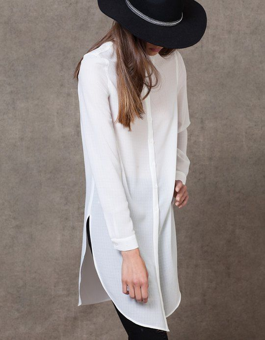 En Stradivarius encontrarás 1 Camisa larga abertura para mujer por sólo 19.95 €…