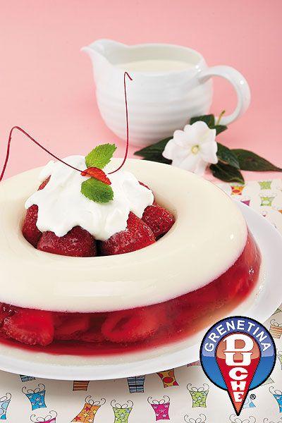 Corona rellena de fresas