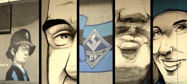 PRO Waldhof (PW), der Fandachverband der Waldhof-Fans, weihte am Freitag, den 21. November 2014, ein Graffiti-Kunstwerk unter der Riedbahnbrücke im Mannheimer Stadtteil Waldhof ein. Das Projekt, das in einwöchiger Arbeit durch den Graffiti-Künstler Hombre SUK in Kooperation mit PW entstand, soll den SV Waldhof auf kreative Art und Weise in Mannheims Stadtbild verankern und ein Zeichen für Vielfalt und Toleranz setzen.  An der Schienenstraße portraitierte Ideengeber Hombre SUK…