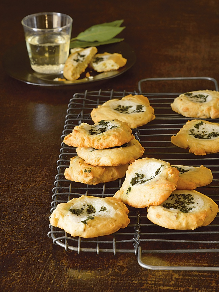 Ancient Roman Bay Leaf Cookies