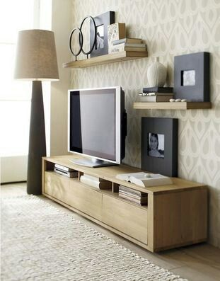 Simpel wood shelf with the same rug. So natural ...