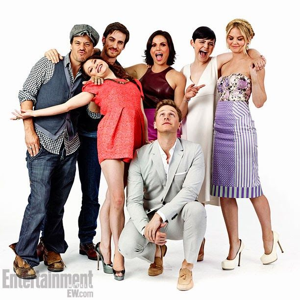 Lovely pic of the Once Upon a Time gang (most of them anyways)