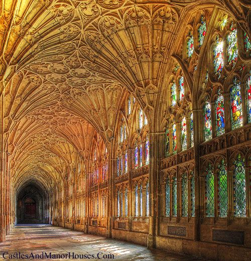 Cloisters, Gloucester Cathedral, Gloucester, England. Www