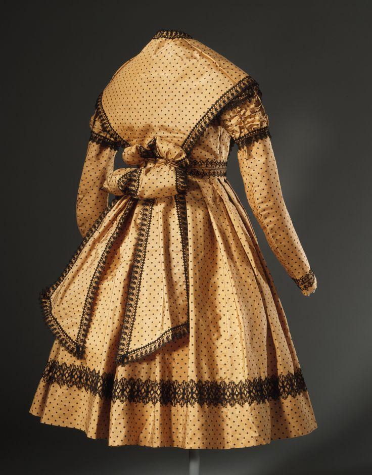 1869 girl dress with pelerine