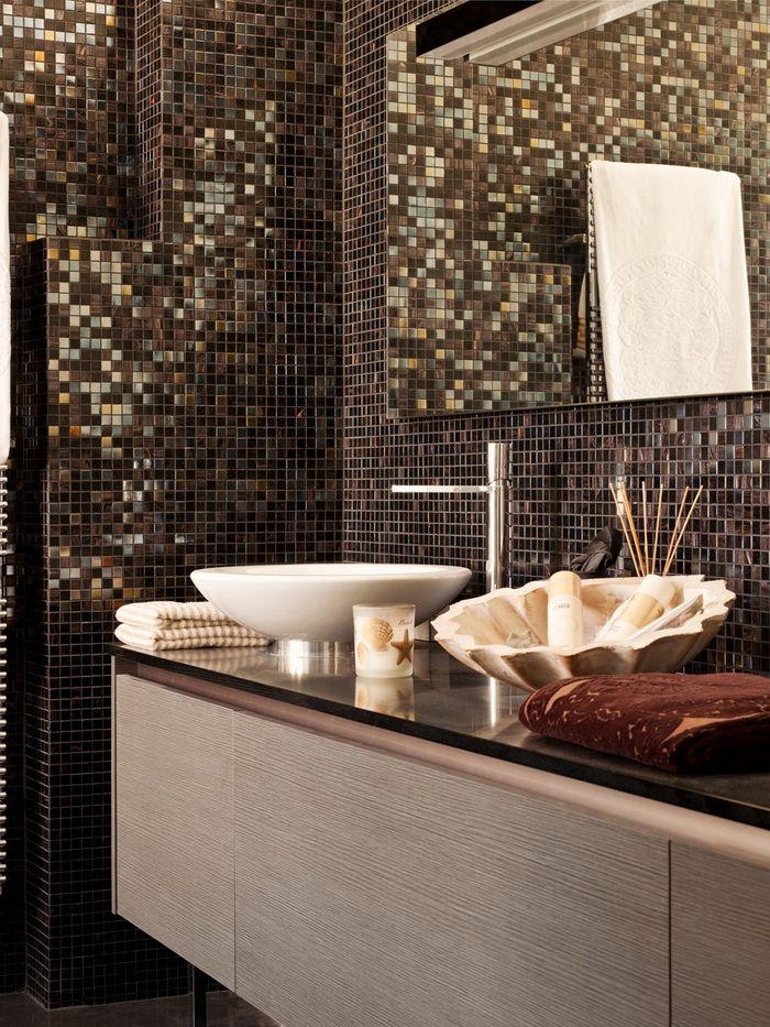 Черно-золотая ванная