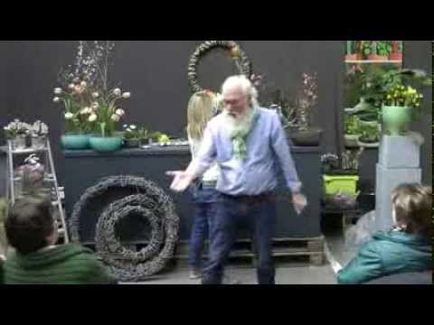 """Floristische Demo zum Thema """"Ostern"""" mit Imke Riedebusch - NDR Fernsehfloristin - und John Langley - NDR Fernsehgärtner - im Heinrich VOSTEEN Im- u. Export G..."""