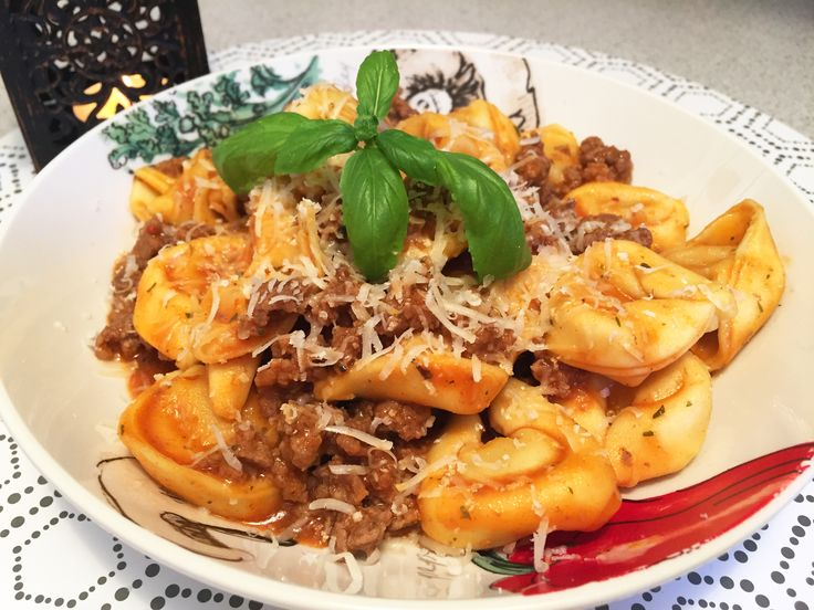 Tortelloni with bolognese sauce