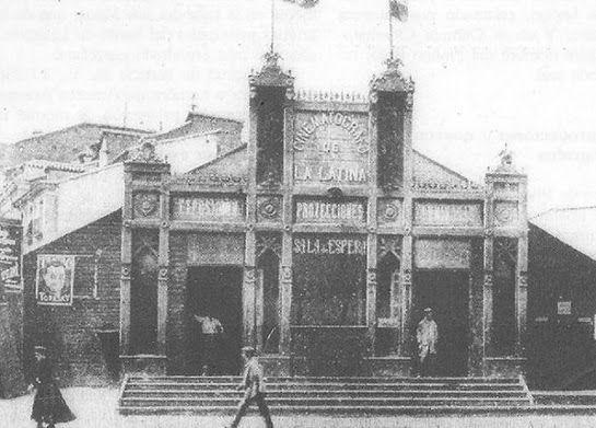 Cinematógrafo de La Latina año 1907. Ha sido uno de los escenarios más importantes para la representación de comedia y revista en la historia del teatro en Madrid a lo largo del Siglo XX.