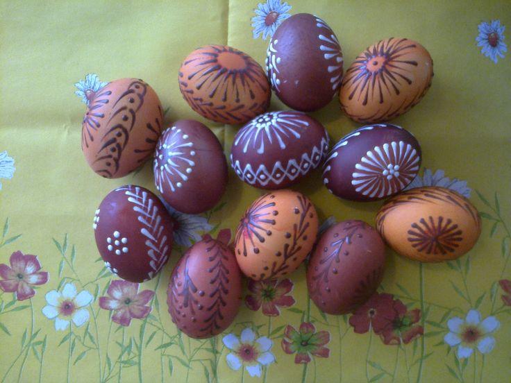 voskem malovaná velikonoční vejce