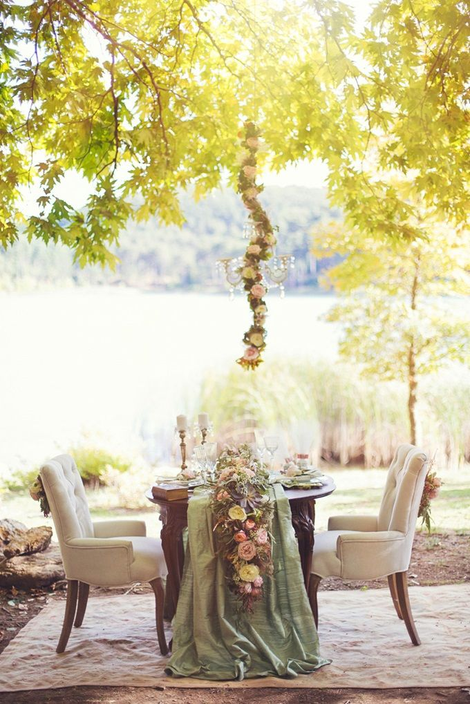 Elopement at the Lake by Fiorello Photography | ANNA & ANDONIS | The Wedding Tales Blog