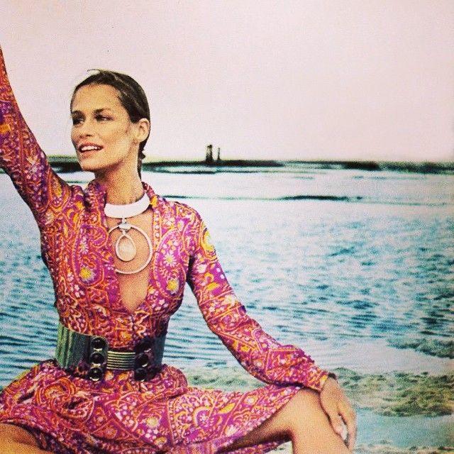 Laura Hutton, Vogue- 1970