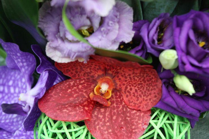Bouquet de fleurs #composition #glaïeul #lisianthus #orchidée