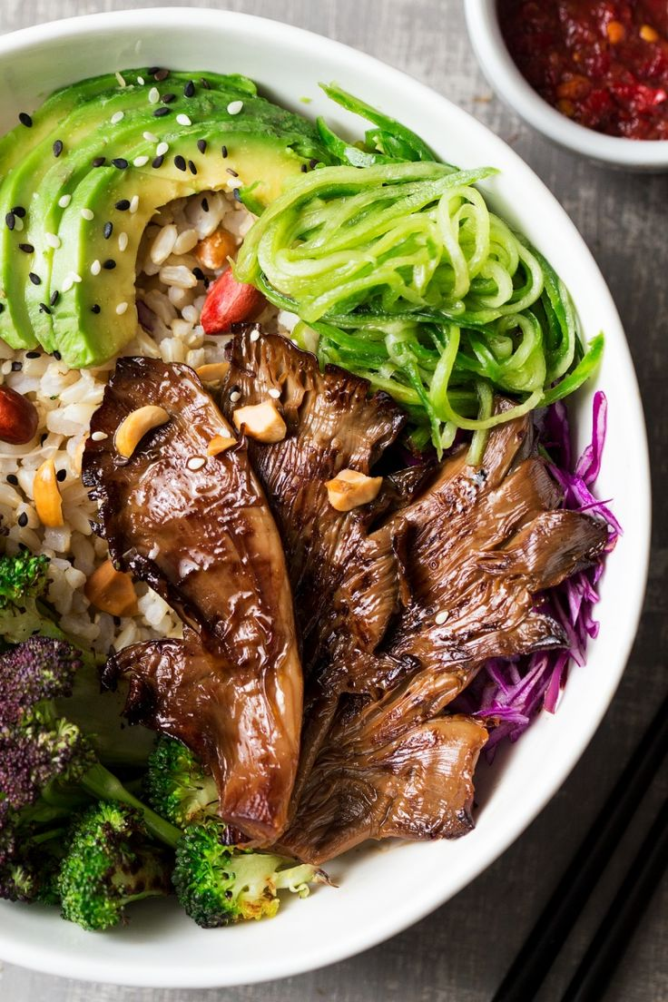 Asian Veggie Bowls with Oyster Mushrooms recipe. Vegan and can be made oil-free.