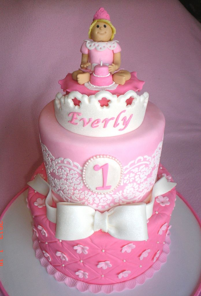 34 best images about first birthday cakes on pinterest for Decorating 1st birthday cake