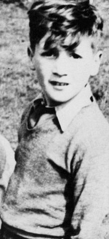 20- John Lennon's early childhood photos