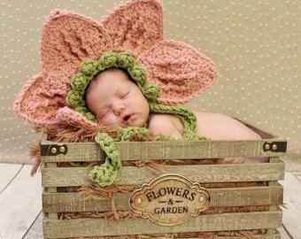 Sombrero del bebé del ganchillo flor recién sombrero por QuinnsBin