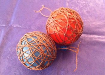 palline di filo con i palloncini