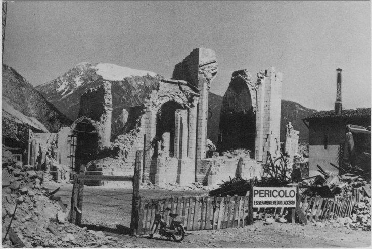 Venzone - Duomo - dopo 15 settembre 1976 - Chiesa di Sant'Andrea Apostolo (Venzone) - Wikipedia