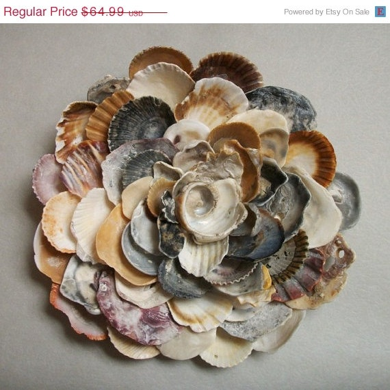 seashell flower wall sculpture beach wall art coquillages verres polis par la mer bois. Black Bedroom Furniture Sets. Home Design Ideas