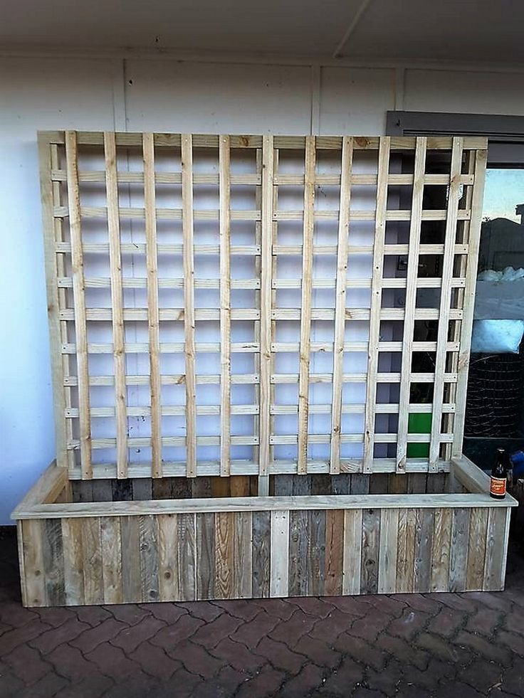 Planters have always been a frequent creation on this very platform, but for the very first time we have brought a trilles pallet wooden made planter. This is completely different from those conventional wood pallet planters and at the same time provides a lot more workable space as well.