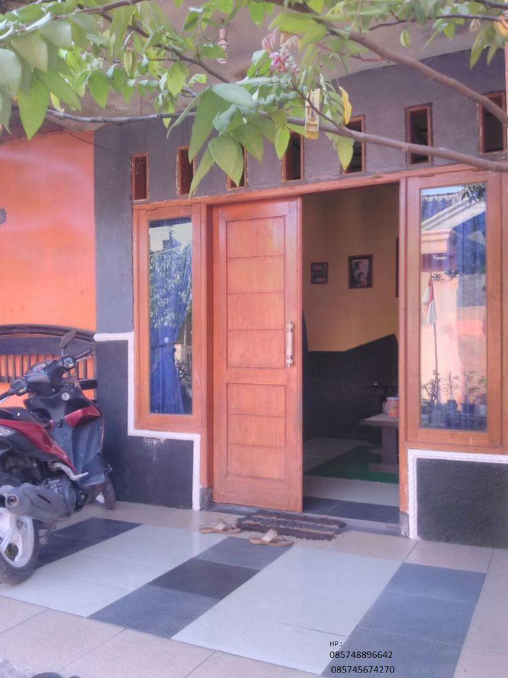 Perum Denanyar Asri Blok A - 10  Kondisi: Bekas  Kategori: Rumah Tinggal  Sertifikat: SHM – Sertifikat Hak Milik   Jumlah Lantai : 1  Kamar Mandi: 1  Hadap: Barat  Kamar Tidur: 2  Luas Tanah (m²) : 7 x 14 m2  Luas Bangunan (m²) : 6 x 14 m2  Area Sekitar: Pengadilan Agama, Mall Bravo, Perum METRO Graha, SPBU, Jalan  Utama Surabaya – Kertosono  View: Kota Jombang, Yang berminat Monggo Silahkan, Bisa Nego Dikiit …  Bisa bantu Proses KPR ( DP 50 %)  WA : 085748896642 —–   085745674270