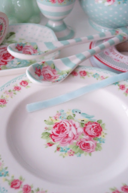 Prettiful Cath Kidston style crockery and cutlery. & 572 best Cath Kidston \u0026 Greengate... images on Pinterest | Cath ...