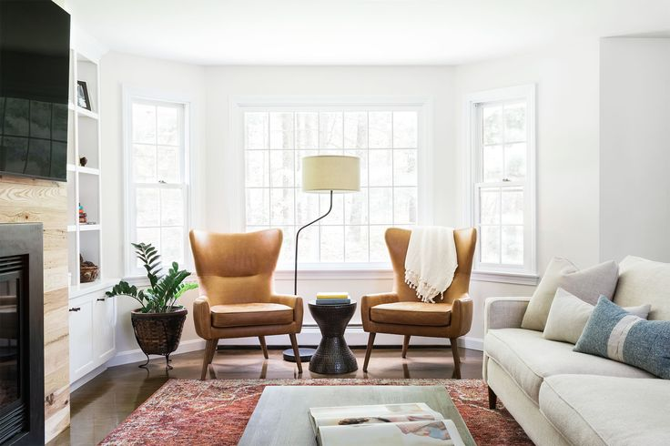 "For a couple buying their ""forever home"" on the outskirts of Boston in the Lynnfield area, Homepolish designer Shannon Tate renovated the first floor to be a relaxed and timeless oasis."
