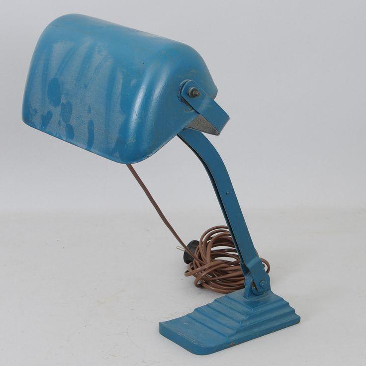 174426. SKRIVBORDSLAMPA, blåmålad metall, 1900-talets första hälft. Inköpt 300 kr 29 aug -14