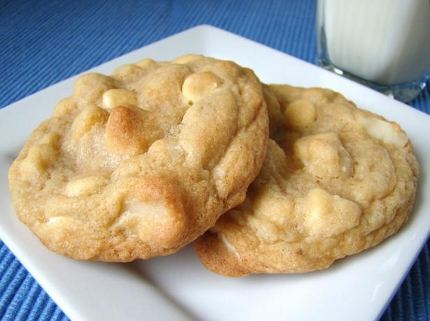1000 images about white chocolate chip macadamia nut for White chocolate macadamia nut cookies recipe paula deen