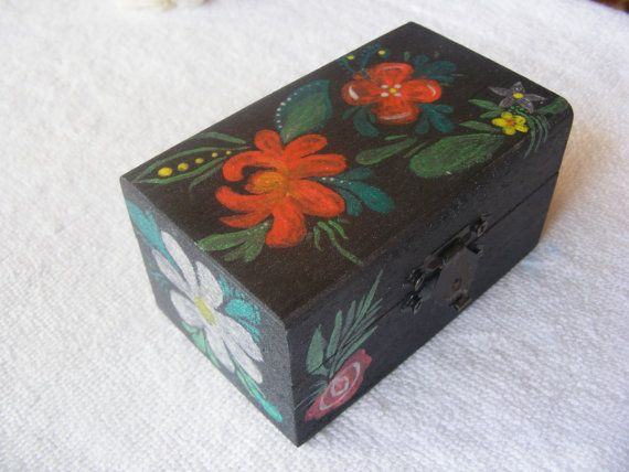 Hey, I found this really awesome Etsy listing at https://www.etsy.com/listing/266199232/handpainted-jewelry-box-flower