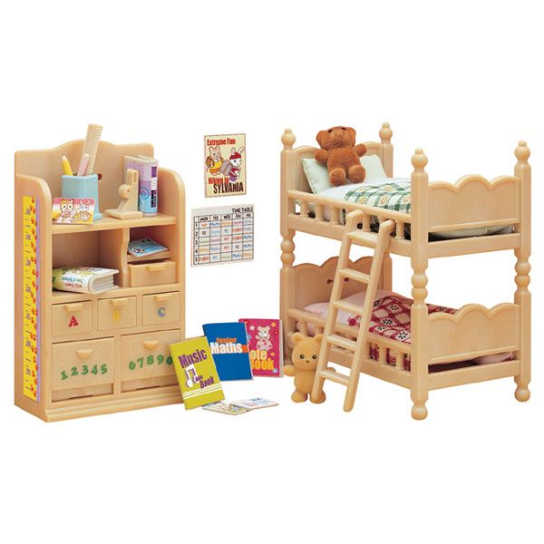 502 best calico critters images on pinterest sylvanian for Sylvanian chambre parents