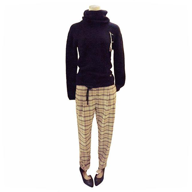 classical pants outfit from autumn chic.    #ファッション #コーディネート #セレクトショップ #長野県 #諏訪 #岡谷 #fashion #coordinate #outfit #ootd #backlane  #黒 #ブラック #タートルニット #セーター #あったか #秋コーデ #チェック柄 #テーパードパンツ #モカ #グレー #black #knitturtle #turtleneck #plaidpattern #tepadopants #autumn