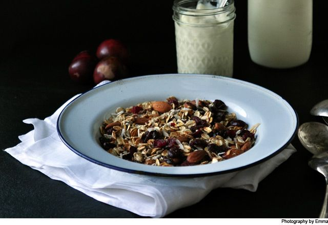 Almond, Linseed & Sunflower Seed Muesli from Our Kitchen at Fisher & Paykel. Packed full of oats, almonds and more, start your day off with a bowl of nutritious muesli.