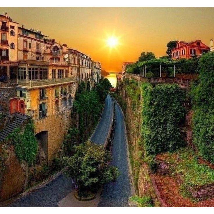 Улица Сорренто Италия #best_planet by best_planet