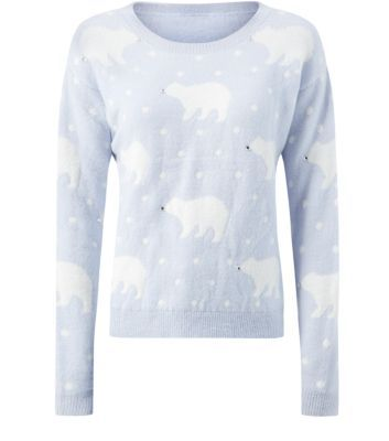"Prepare for the Christmas season with this polar bear print jumper - wear with blue skinny jeans and flats to keep it casual.- All over polar bear print- Rounded neck- Simple long sleeves- Soft knitted fabric- Casual fit- Cuffed hem- Model is 5'8""/176cm and wears UK 10/EU 38/US 6Visit our Christmas guide >>>"