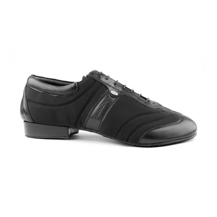 Denne lækre dansesneakers er fra PortDance og er udført i sort læder og lycra. Skomodellen PD Pietro Braga Dansesneakers er en dansesko i absolut høj kvalitet og godt design! Forhandles hos Nordic Dance Shoes: http://www.nordicdanceshoes.dk/portdance-pd-pietro-braga-laeder-lycra-dansesko#utm_source=pin
