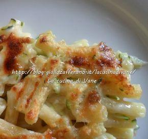Pasticcio di pasta al gratin con scamorza e zucchine,:la scamorza calda e filante si unirà alle zucchine dando vita ad un connubio meraviglioso di sapori