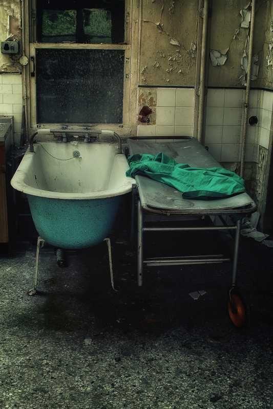 SubUrban Images-Bed bath