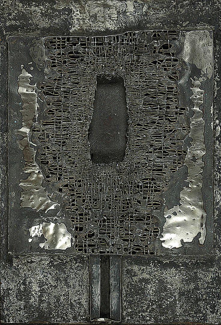 Zdzisław BEKSIŃSKI (1929-2005)  Relief, 1960 metal, płyta MDF,  88 x 60 cm; na odwrocie napisy: BEKSIŃSKI / 1960 / WŁASNOŚĆ MARKA PIASECKIEGO / KRAKÓW SIEMIRADZKIEGO 25 M. 16